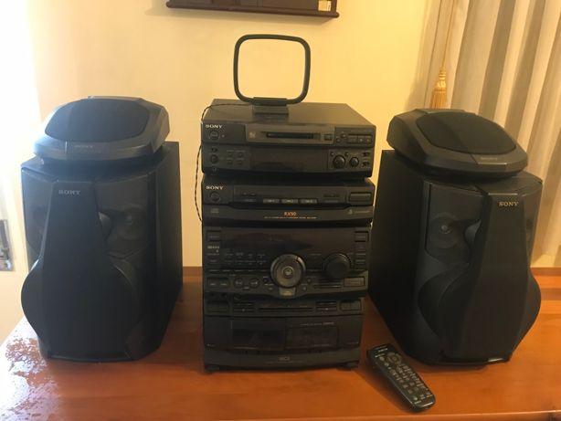 4 aparelhos Wi-Fi Sony e 4 colunas