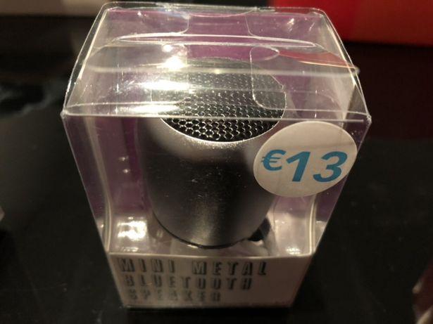 Mini coluna Bluetooth novo em caixa