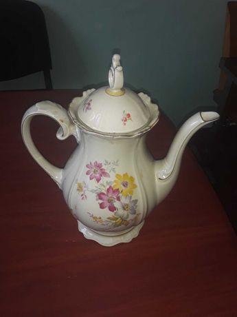 Фарфоровий чайник