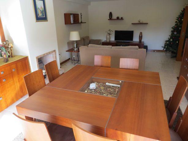 Sala de jantar em cerejeira
