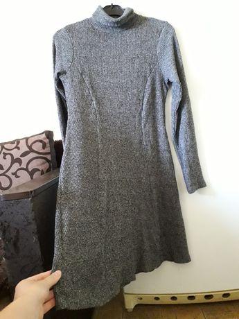 Шикарное зимнее платье фирмы Next, серое с горловиной, миди, теплое