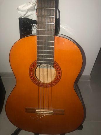Продам классическую гитару. Ручная сборка, Англия 1994