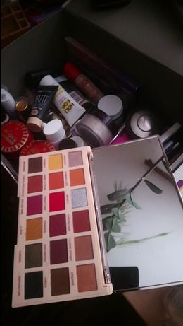 paleta cieni Soph X Extra Makeup Revolution
