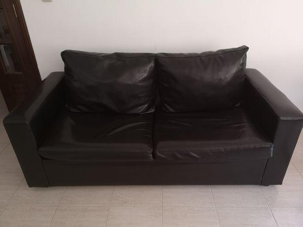 2 sofás (conjunto, um deles com cama)