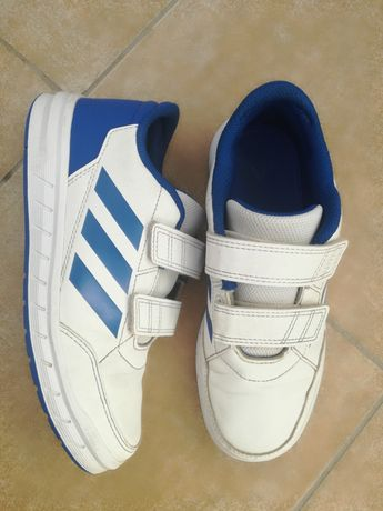 Buty Adidas non-marking r.33