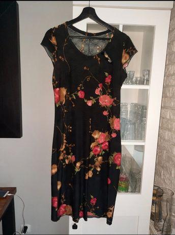Sukienka L/40 śliczna