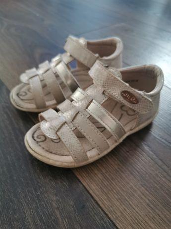Sandałki Neli Blu 23