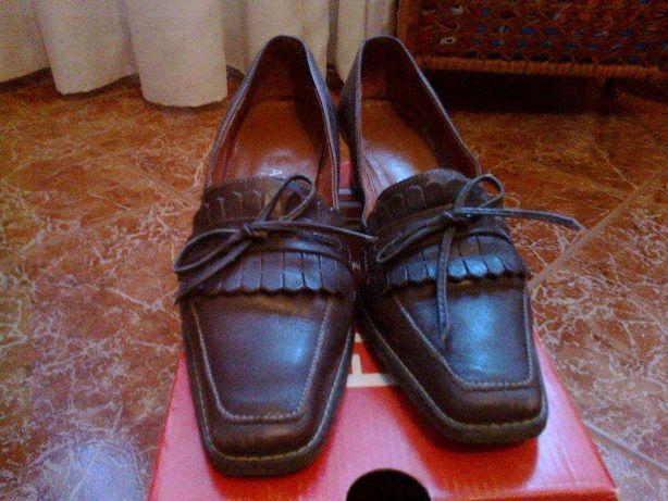 Sapatos de pele para senhora