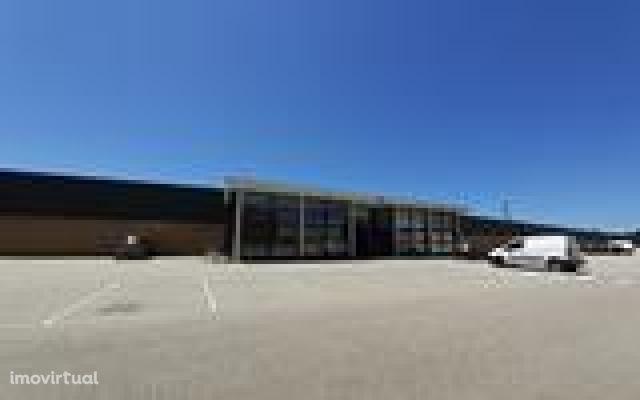 Loja, 91 m², Albergaria-a-Velha e Valmaior
