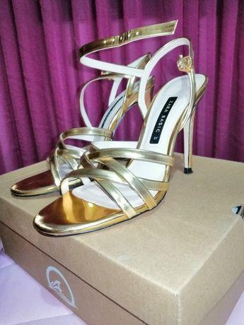 Sandálias da Zara