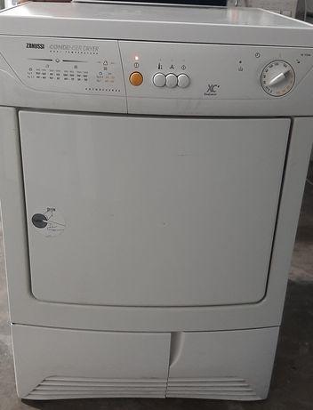 Máquina de secar roupa zanussi