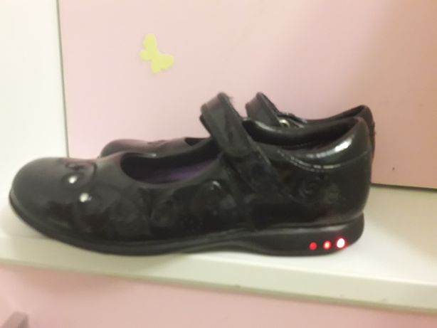 Туфли Clarks с мигалками стелька 19.5 см