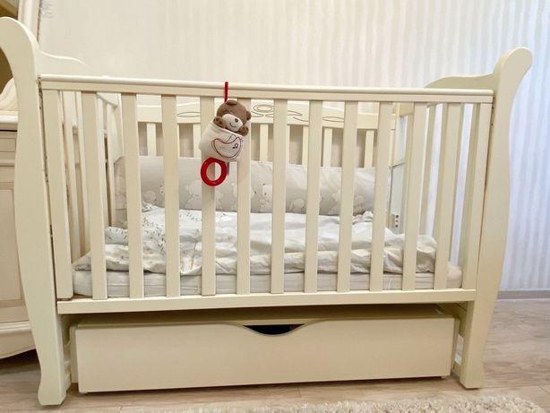 Детская кроватка Верес Соня с маятником и выдвижным ящиками