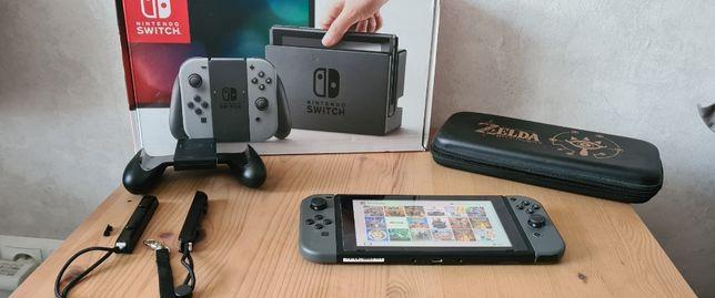Nintendo Switch V2 + etui + 13 gier + karta 128gb Zamiana