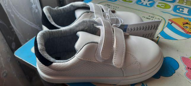 Кеди, кросовки білі для хлопчика НОВІ 30р