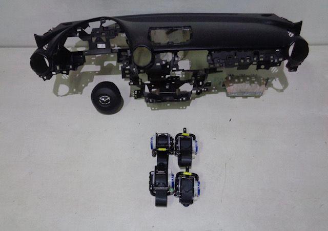 Mazda 2 tablier cintos airbags