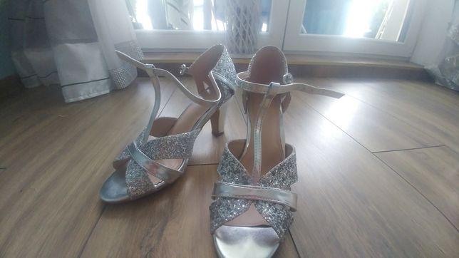 Buty srebrne ślubne brokatowe
