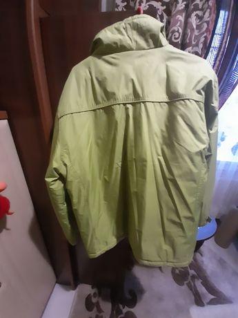 Чоловіча куртка, гарному стані, на сіндіпоні
