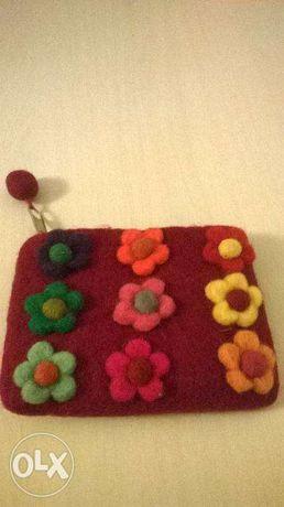 Bolsa ou porta-moedas em feltro (artesanato)