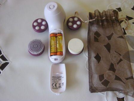 Aparat do masażu czyszczenia twarzy szyi dekoltu