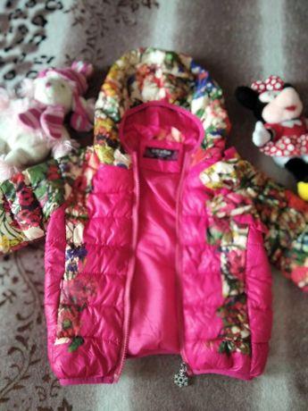 Зимняя куртока на девочку.