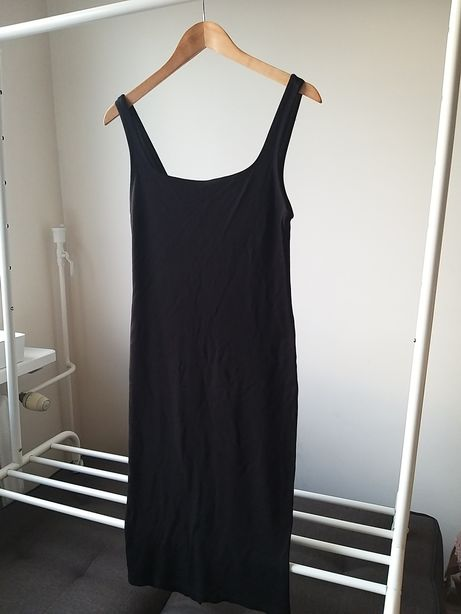 Czarna dopasowana Sukienka Stradivarius rozm. L