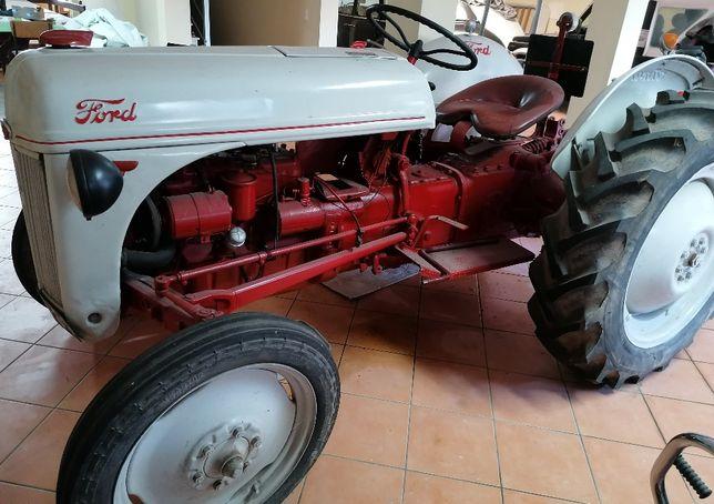 Tractor Modelo Ford N8 de 1947