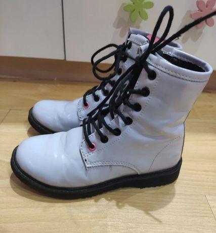 Buty,botki lakierowane sznurowane Reserved rozmiar 32