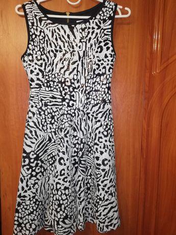 Платье в паетках Rare London