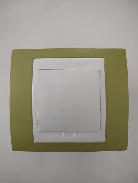 Włącznik Schneider Electric, zielona oprawka