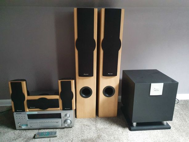 Kino domowe Amplituner Pioneer VSX-D514 + zestaw 5 głośników+subwoofer