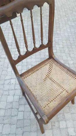 Cadeiras madeira e palhinha