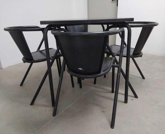 Mesa e Cadeiras Adico