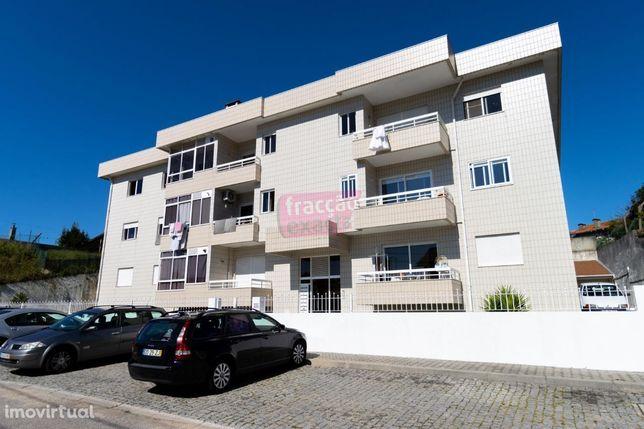 Escapães   Apartamento T2 pronto habitar   Garagem e Arrecadação