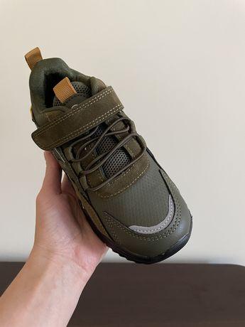 Новые кроссовки, 31 размер