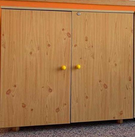 Móvel estante em pinho 2 portas