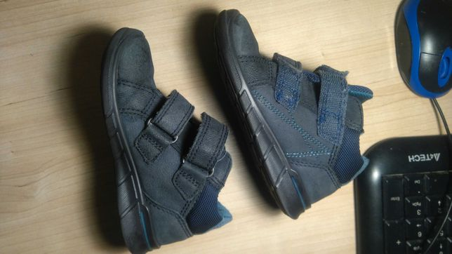 Ecco 24 buty półbuty