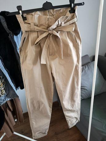 Bershka beżowe spodnie z wysokim stanem