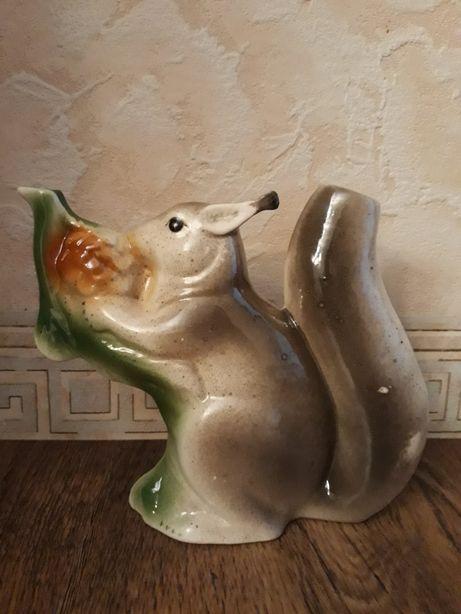Фарфор из СССР! Белка - фарфоровая статуэтка кружка-поилка.