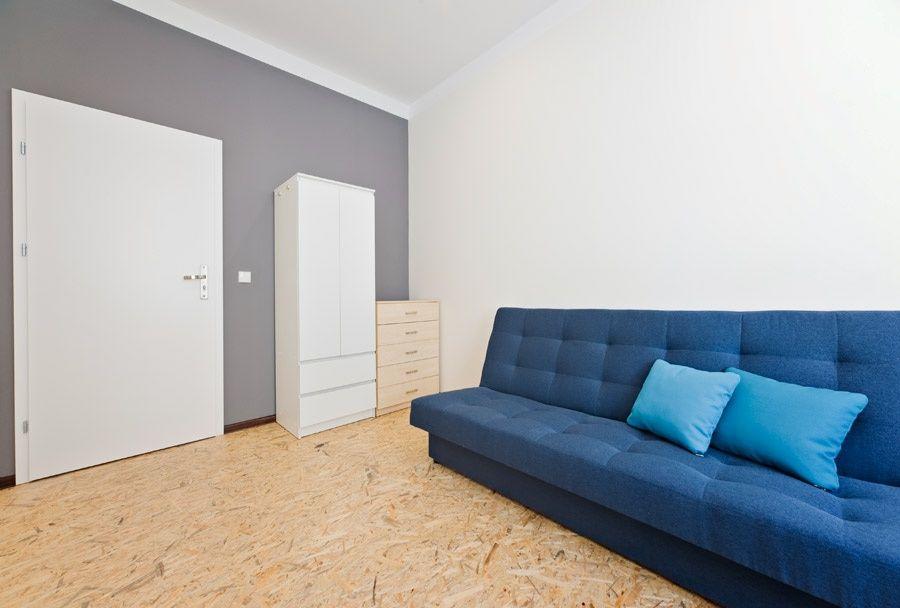Duży pokój z wygodną sofą! Darmowe Wifi! Łazarz Poznań - image 1