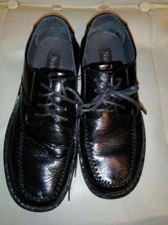 Czarne, skórzane buty rozmiar 42