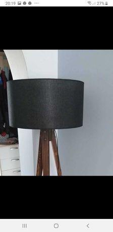 Lampa stojąca czarna