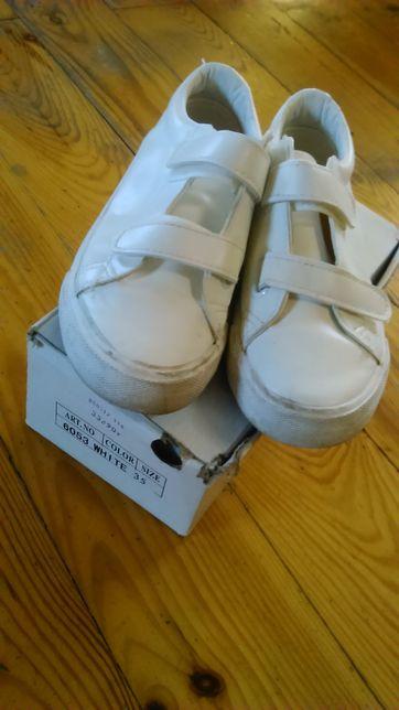 Buty białe rozm. 35 na komunię dla chłopca