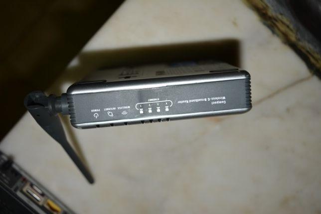 aparelho HI-FI com entradas de Red
