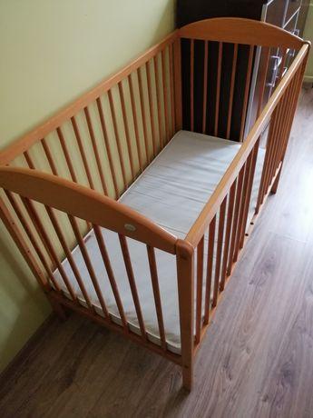 Łóżeczko dla dziecka z materacem