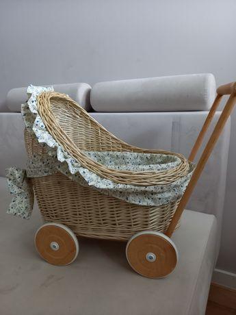 Wózek wiklinowy lalki