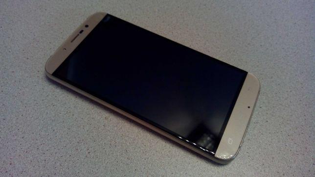"Смартфон""Bravis A553 Discovery""(не включается)"
