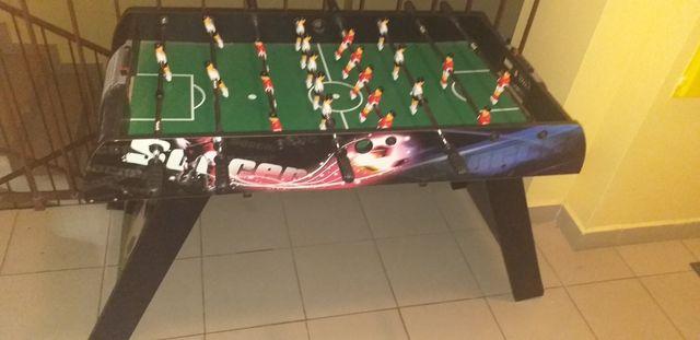 Piłkarzyki  duży  stół