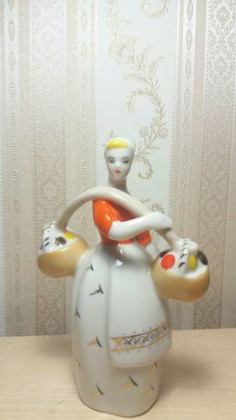 Фарфоровая статуэтка девушка с коромыслом ЗХК Полонное