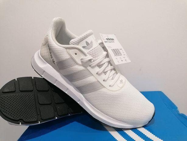 Buty adidas  41/1/3-26cm,nowe z kompletem metek,od butocholiczki:)